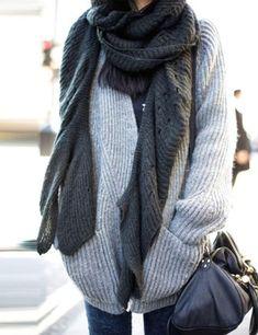 women street style handbag