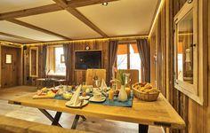 Chalet Suite im Bayerischen Wald - Mit Sauna, Whirlpool uvm. Ski Chalet, Cozy Living, Living Area, Childrens Bunk Beds, Hanging Curtains, Sauna, Good Night Sleep, Drinks, Home Decor