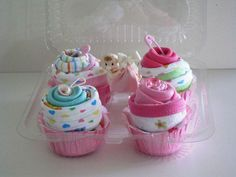 What an awesome idea for a baby shower. New 10-Piece Washcloths Cupcakes Gift Set with Free Washcloth Lollipop
