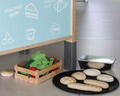 Brezn und Brötchen für die Kinderküche und den Kaufladen selber basteln mit Salzteig: Bastelanleitung mit Rezept und Ideen zum Dekorieren. Hier entdecken!