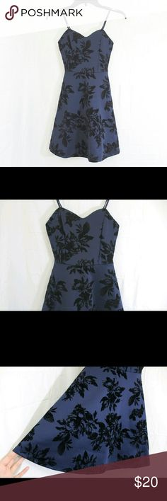 Velvet Floral Print Black Navy Blue Fit-Flare Dres This dress has a sweetheart neckline design, covers with floral velvet print with royal blue color! Super fancy and flattering with the fit-flare cut. This dress also comes with adjustable straps and pads in the front. Made in USA. Size XS. Bought this for a special event but I never got to wear this. New without Tags. #velvet #velvetaccents #velvetdress #floral #fallfloral #navyblue #navybluedress #christmasdress #newyearseve #newyearoutfit…
