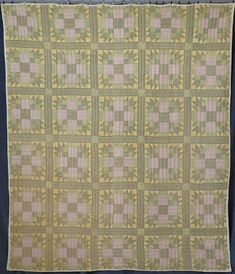 Primitive Heavy Antique Green & Yellow Bear Paw Quilt 79x67 Target Home Decor, Cute Home Decor, Fall Home Decor, Home Decor Styles, Vintage Home Decor, Cheap Beach Decor, Cheap Office Decor, Cheap Home Decor, Indian Home Interior
