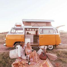 Volkswagen Bus, Vw T1, Bus Girl, Kombi Home, Backyard Picnic, Adventure Aesthetic, Collections Photography, Love Spells, Moon Child