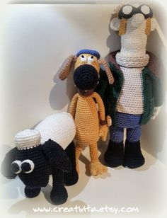 It is not difficult to be inspired by a farmer and his farmyard friends, I just had to make my own crochet patterns to honor them all. I did spend several days making this pattern, but it was worth every second, seeing him evolve from a few balls of yarn :-) Running the farm with his