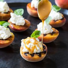 Grilled Peaches with Mascarpone Whipped Cream. #summer #fruit #desserts