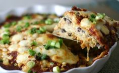 chicken enchilada pie: easiest dinner ever by coolnana Enchilada Pie, Enchilada Recipes, Enchilada Casserole, Mexican Dishes, Mexican Food Recipes, Dinner Recipes, I Love Food, Good Food, Yummy Food