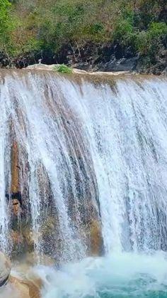 A beautiful waterfall'