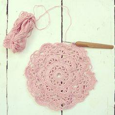 ByHaafner, crochet, doily, pink, pastel, doily, work in progress