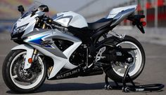 Suzuki Gsxr. Had a black and red 600. Loved it!! Not bad for a girl.
