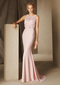 Style and elegance in the new cocktail and special celebration dress collection by Pronovias Cocktail. Captivating cocktail dresses which are versatile, comfortable and sophisticated, with fresh shapes, colours and two-piece effects. Dresses Uk, Elegant Dresses, Pretty Dresses, Fashion Dresses, Prom Dresses, Formal Dresses, Wedding Dresses, Club Dresses, Fashion Styles
