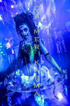 Candy Hostesses, Canape Hostesses, Living Tables for Alice in Wonderland themed… London Birmingham, London Manchester, Halloween Fright Night, Uk Parties, Terrifying Halloween, Halloween Entertaining, Zombie Dolls, Bonfire Night, Poses For Photos
