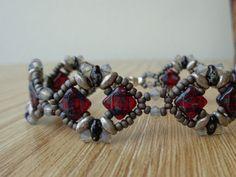 This bracelet is made form my original design, the Diadem Bracelet
