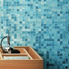Et vous votre salle de bain de #poolhouse vous l'imaginez comment ? . Photo: @bernardceramics_carotheque #inspiration #salledebain #dependance #poolhouse #house #maisonbois #shelty #lyon #studio #bureau #airbnb #ecolo #design #carreaux #mur #walll #cerami