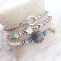 Beautiful silver bracelet set with gemstone and swarovski stone. Made of faceted beads and several glass beads. Available at www.donaparte.nl