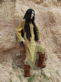 Junal Gerlach -Top Native Model/Actress -Modeling Tribal Impressions Hanna Top, Matching Fringed Skirt and Five Layer Minnetonka Zipper Boots! Review The Collections off of: http://www.indianvillagemall.com    You can also find out more about Junal's professional modeling and acting off of:  http://www.modelmayhem.com/1050392    You can also find out more about Junal's professional modeling and acting off of:  http://www.modelmayhem.com/1050392