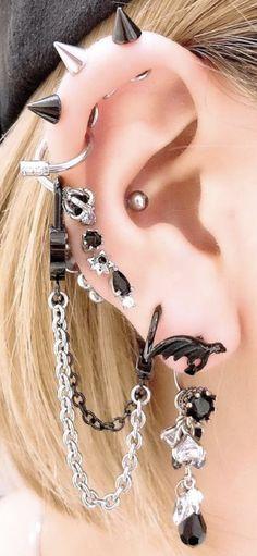 Grunge Jewelry, Funky Jewelry, Cute Jewelry, Jewelry Tattoo, Ear Jewelry, Body Jewelry, Pretty Ear Piercings, Face Piercings, Accesorios Casual