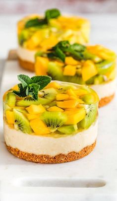 Delicious and Beautiful Desserts Recipes and Images for This Summer Part dessert recipes; desserts near me; Simple Muffin Recipe, Summer Dessert Recipes, Fancy Desserts, Beautiful Desserts, Mini Cakes, Sweet Recipes, Food And Drink, Cooking Recipes, Cooking Food