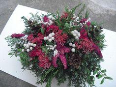Dušičkový truhlík Christmas Wreaths, Holiday Decor, Flowers, Home Decor, Lawn And Garden, Decorations, Decoration Home, Room Decor, Florals