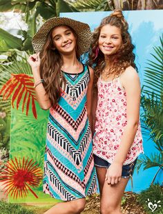 The days are longer, the prints are brighter... life is better in the summer!