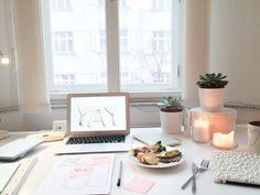 We know how difficult it can be to get organized, and sometimes the problem is you have just too many planners and apps! So before you start flailing around with post-it notes stuck to your forehead t