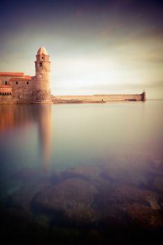 Collioure ville située dans la région du Languedoc Rousillon est reconnue pour son patrimoine.Proche de l'Espagne elle saura vous séduire. #France #Vacances #Collioure