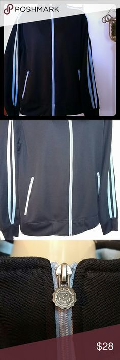 NAVY BLUE / BABY BLUE JACKET  💠( UNIVERSAL )💠 This Jacket has never been worn Purchased for myself but have never used so up for sale  NEW CONDITION  X2 Side Pockets X2 Inside Pockets Very Nice Jacket  Great for Layering, Alone, Spring , Fall, The Gym etc Extremely well Made  Can Fit Woman XL Old Navy Jackets & Coats Performance Jackets