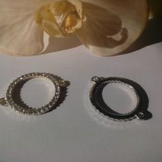 Connecteur anneaux strass métal argenté 37mm