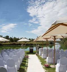 Outdoor Wedding at The Blades Hotel in Pretoria, South Africa Waterfront Wedding, Wedding Venues, Purple Wedding Centerpieces, Bridal Shower Flowers, Romantic Candles, Bride And Groom Pictures, Rose Wedding Bouquet, Summer Wedding Colors, Sweetheart Wedding Dress