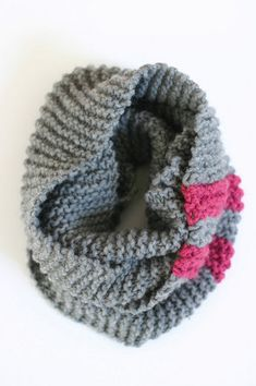 Beat the cold weather with a warm, fuzzy project that will keep you toasty. The Easy Cozy Cowl uses bulky yarn, so it knits up very quickly. This knitted cowl pattern can be easily customized to the size and color of your choice, making this a perfect last minute gift or project.