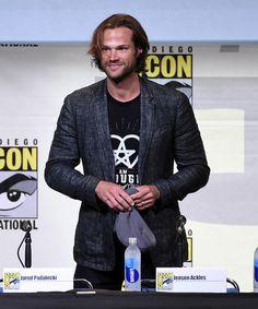 "Jared Padalecki Photos Photos - Actor Jared Padalecki attends the ""Supernatural"" Special Video Presentation And Q"