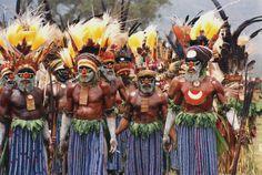 La Papuasia rappresenta il territorio della Federazione Australiana, formato dalla parte SE della Nuova Guinea con le vicine isole Entrecasteaux,