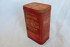 Vintage French Advertising Litho Tin Box by LaBeletteQuiFouine, €14.00