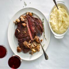 Bavette met gebakken paddenstoelen en tijm recept 20 Min, Beef, Food, Baekhyun, Recipes, Meat, Eten, Ox, Ground Beef
