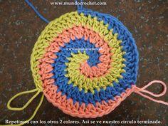 como-tejer-en-espiral-con-tres-colores-a-crochet-o-ganchillo16