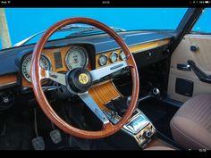 Alfa 2000 interni Alfa Gta, Alfa Romeo 1750, Alfa Romeo Logo, Car Interiors, Vroom Vroom, Badge, Classic Cars, Automobile, Racing