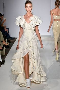 Paul Costelloe London Spring/Summer 2017 Ready-To-Wear Collection | British…