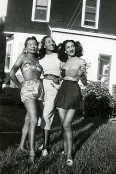 1940s Fashionable Ladies