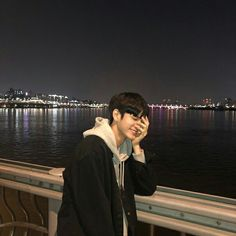 Find images and videos about kpop and seongwu on We Heart It - the app to get lost in what you love. Korean Boys Ulzzang, Cute Korean Boys, Korean Men, Korean Actors, Ulzzang Boy, Boyfriend Look, Boyfriend Material, Jinyoung, Song Kang Ho
