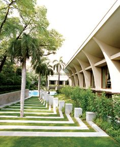 The grounds of the Oberoi hotel- New Delhi
