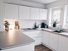 k u l i n s e' s hygge home Interior Rugs, Interior Design Kitchen, Interior Design Living Room, Hygge Home, Modern Kitchen Cabinets, Kitchen Decor, Table En Granit, Living Room Red, Cuisines Design