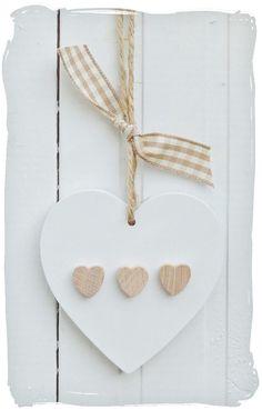 From Nicki – Hearts - Diy & Crafts Trend Heart Diy, Heart Crafts, Diy Crafts For Boyfriend, Shabby Chic Hearts, Diy Rangement, Ceramic Wall Art, Diy Artwork, Mothers Day Crafts, Vintage Crafts