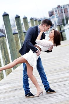 engagement picture ideas dock. Gotta have a picture like this.