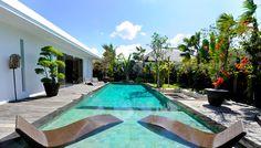 Profitez de cette grande #piscine dans une atmosphère #calme et #sereine