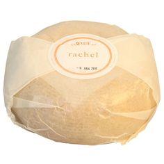 Rachel, un moderno, queso de leche de cabra lavar-corteza ', realizado en Somerset por Pete Humphries y romántica lleva el nombre de un antiguo amor.  cheese Ingles