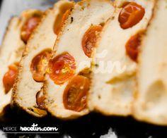 Recetas de Navidad: Pastel salado de queso y cherries