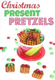 Christmas Present Pretzels a fun treat for the kids!