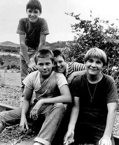 "Wil Wheaton, River Phoenix, Jerry O'Connell & Corey Feldman on the set of ""Stand By Me"""
