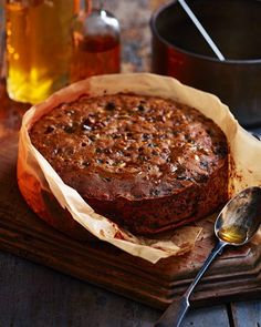 This rich Christmas cake uses our spiced rum butter mincemeat for extra festive flavour and an even more indulgent twist. Baking Recipes, Cake Recipes, Dessert Recipes, Desserts, Dessert Ideas, Mincemeat Cake Recipe, Mince Meat, Mince Pies, Christmas Baking