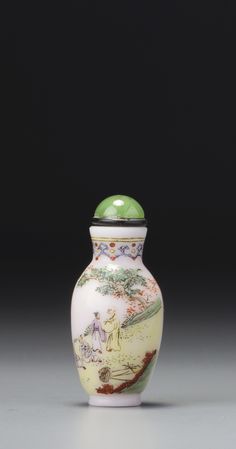 AN ENAMELLED WHITE GLASS 'FOUR SCHOLARS' SNUFF BOTTLE<br>QING DYNASTY, QIANLONG PERIOD | lot | Sotheby's