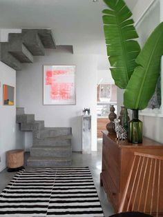 Home in Cape Town, South Africa, designed by Chilean architect Antonio Zaninovic. Turkish designer Yelda Bayraktar took on the interior project, in collaboration with the owner Jo Springthorpe, a fashion editor.
